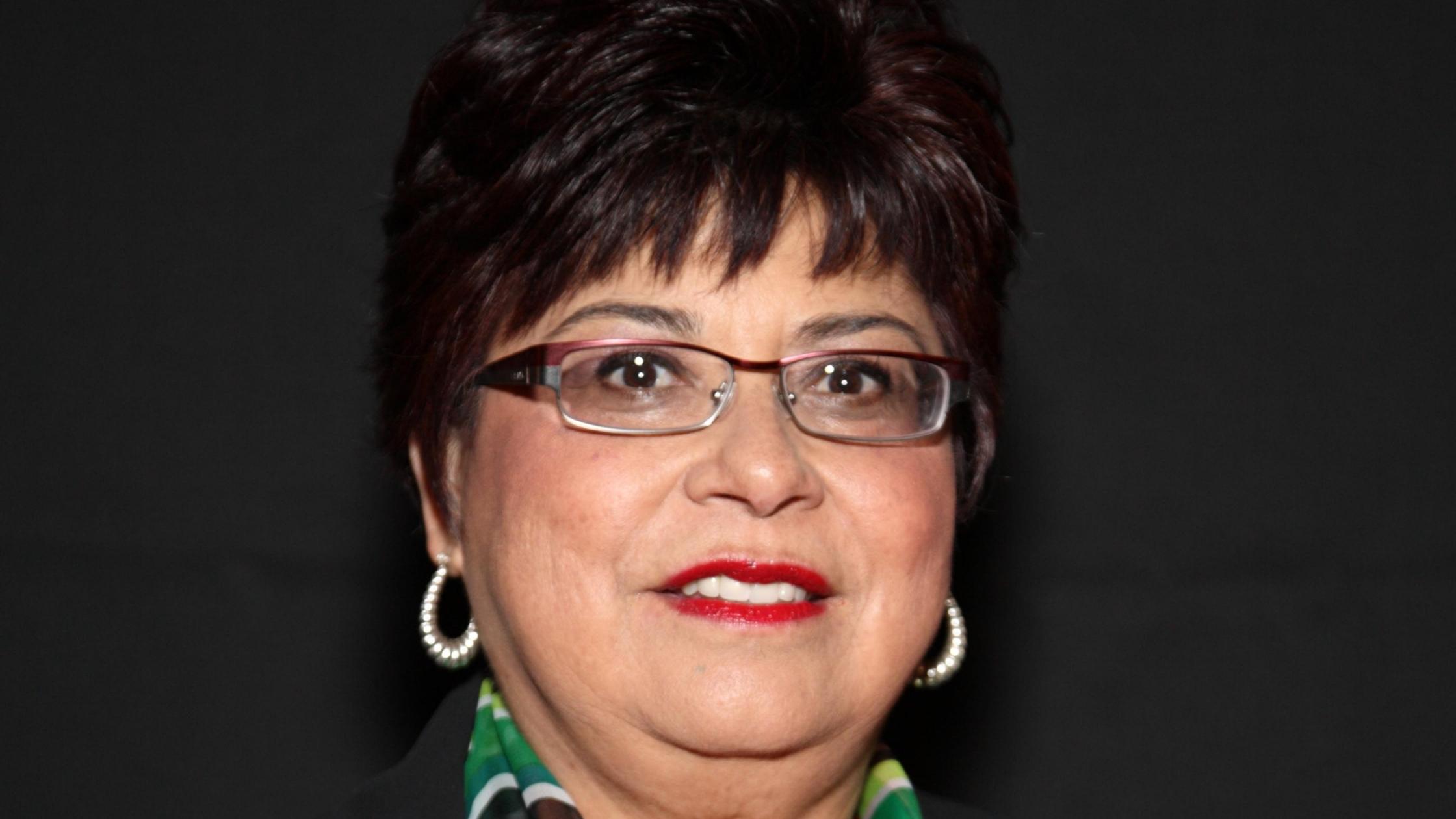 Gloria De La Ros
